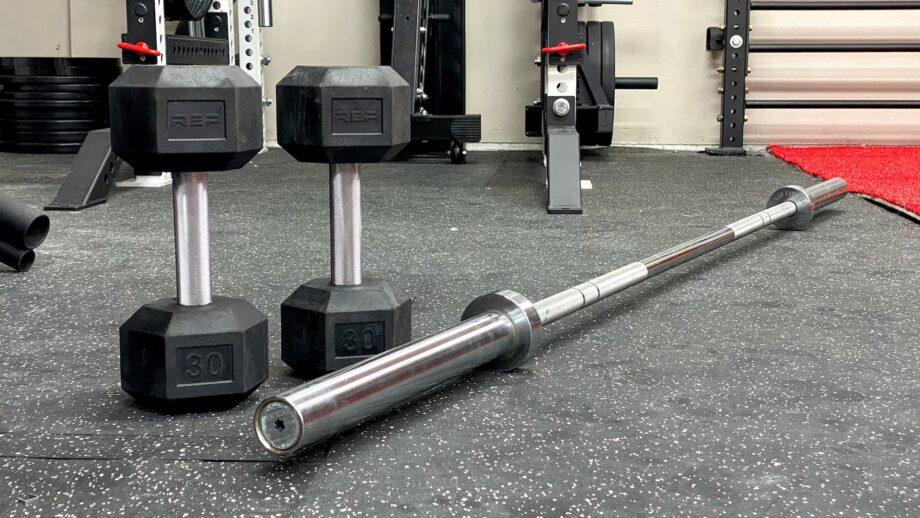 Barbells vs. Dumbbells: The Best Option for a Home Gym