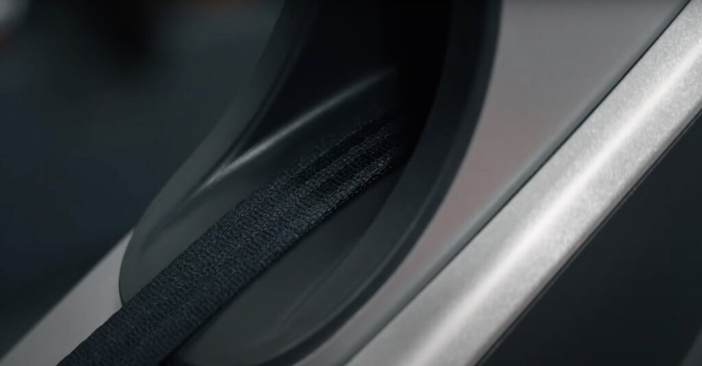 Hydrow belt up close