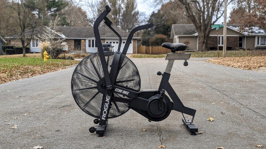 Picture of the Rogue Echo Bike in a driveway