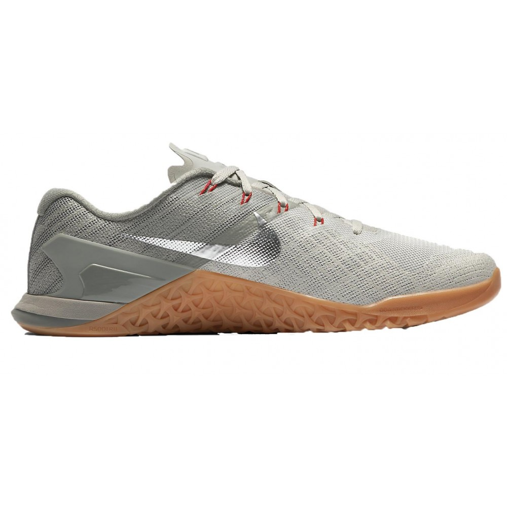 d21c260c9acde The Nike Metcon 3's are some of the most popular training/CrossFit shoes  currently available. We've compiled every colorway released by Nike in one  place ...